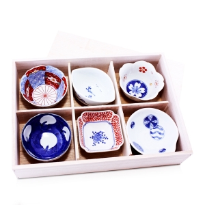 Japanese Plates & Giftwares
